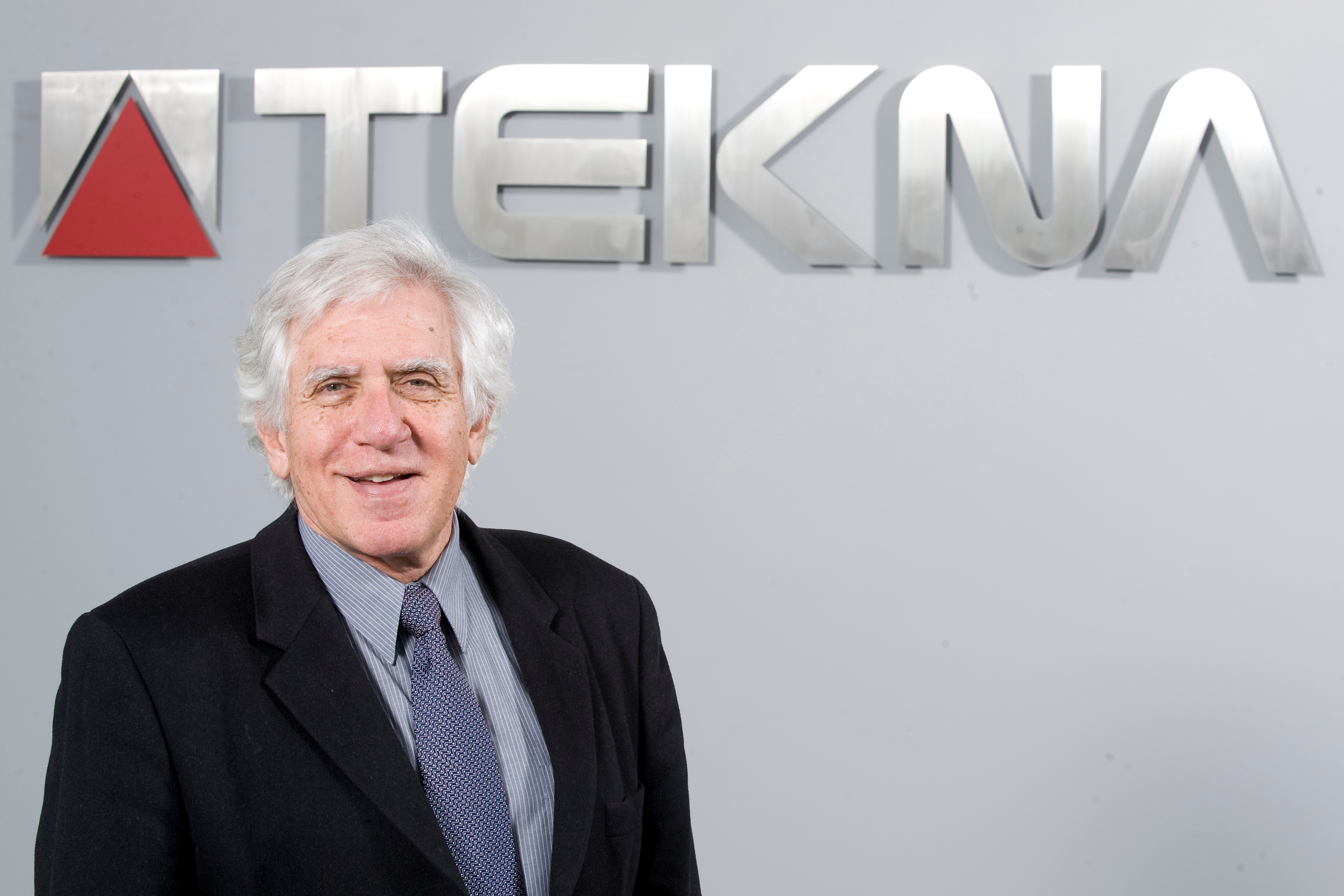 The plasma chemistry award 2015 to Prof Maher Boulos, Tekna's founder